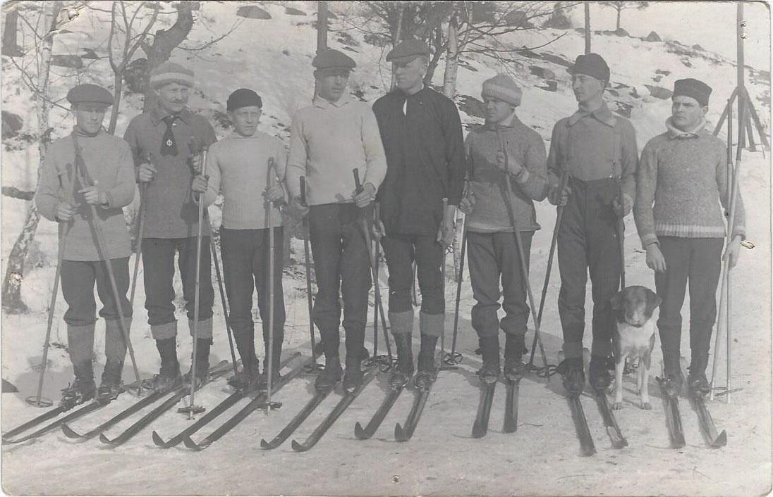 Scan0001 Skidåkare tidigt 1900-tal